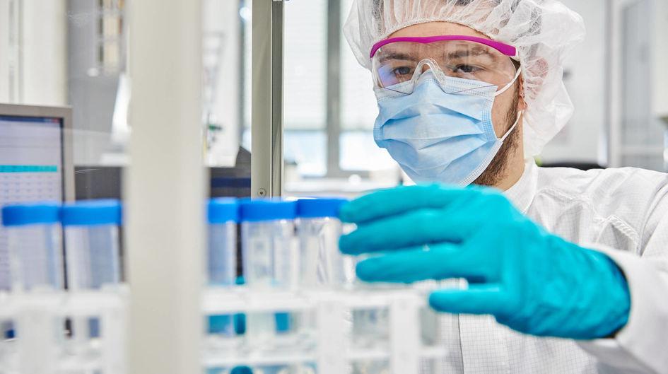 Unsere Labore im Kompetenzzentrum Silane bieten optimale Bedingungen, die Silantechnologie weiter auszubauen.