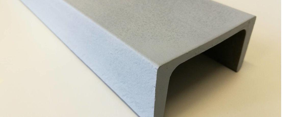 Der Stahlträger ist mit einer Formulierung für Zinkstaubfarben auf Basis von Dynasylan® SIVO 140 gegen Korrosion geschützt. Die Beschichtung wurde mit einer HVLP Sprühpistole aufgetragen.