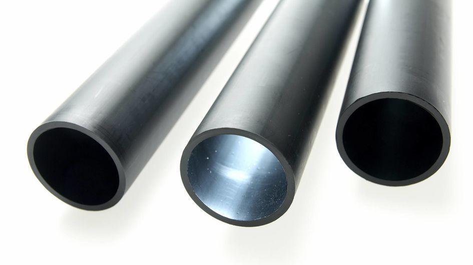 Rohre aus silanvernetztem HDPE (High Density Polyethylene) zeigen ein deutlich besseres Temperaturkriechverhalten als Rohre aus nicht vernetztem HDPE.