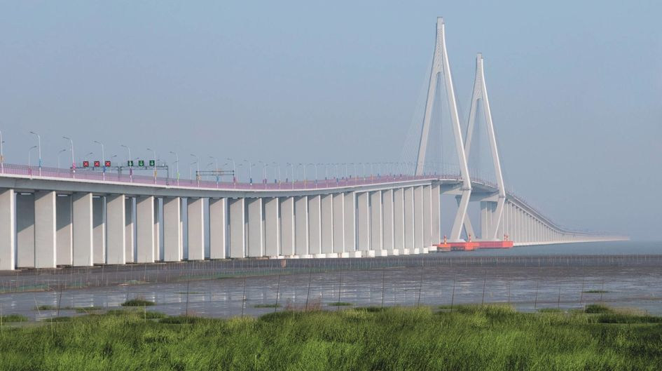 Protectosil® products extend the service life of infrastructure buildings. The bridge piers of the 36 km long Hangzhou Bay Bridge in China are treated with Protectosil® CIT which effectively repels water and pollutants.