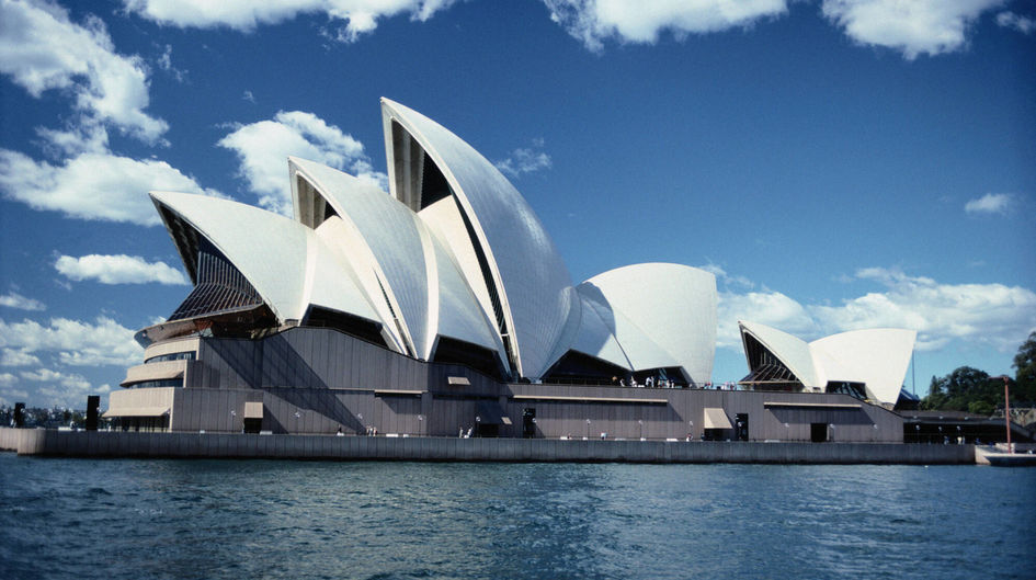 Protectosil® protects the structure of the 67-meters-high roof of the world-famous Opera House in Sydney, Australia. The product prevents deterioration by humidity rising from the sea.