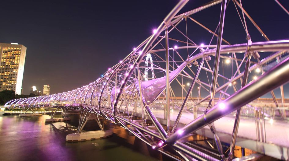 Many steel constructions like steel bridges are protected against corrosion with zinc dust paints. The water-borne binder Dynasylan® SIVO 140 makes the paint more eco-friendly.